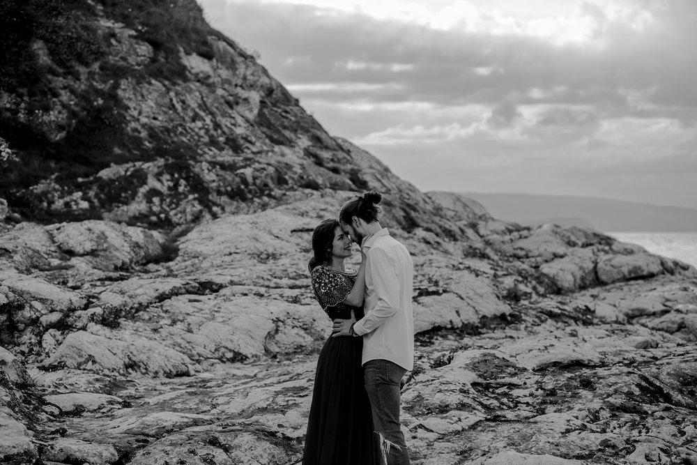 causeway-coast-couples-adventure-wedding-photographers-northern-ireland-web-39.jpg