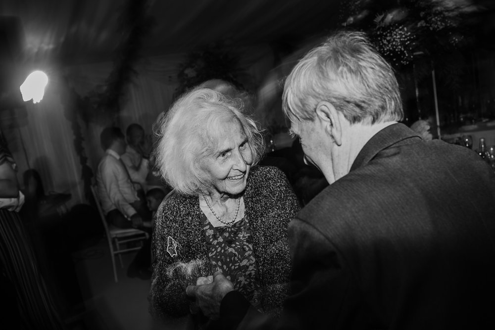 sweetest moment ever grandparents dancing at wedding reception
