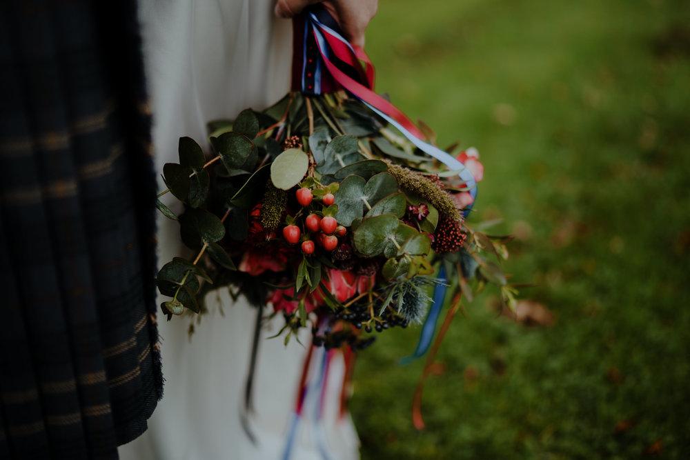 wedding flowers bride bouquet northern ireland lissanoure castle wedding