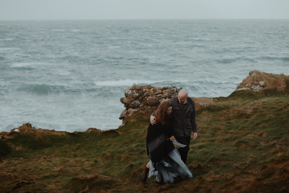 couples adventure elopement photographer northern ireland kinbane castle