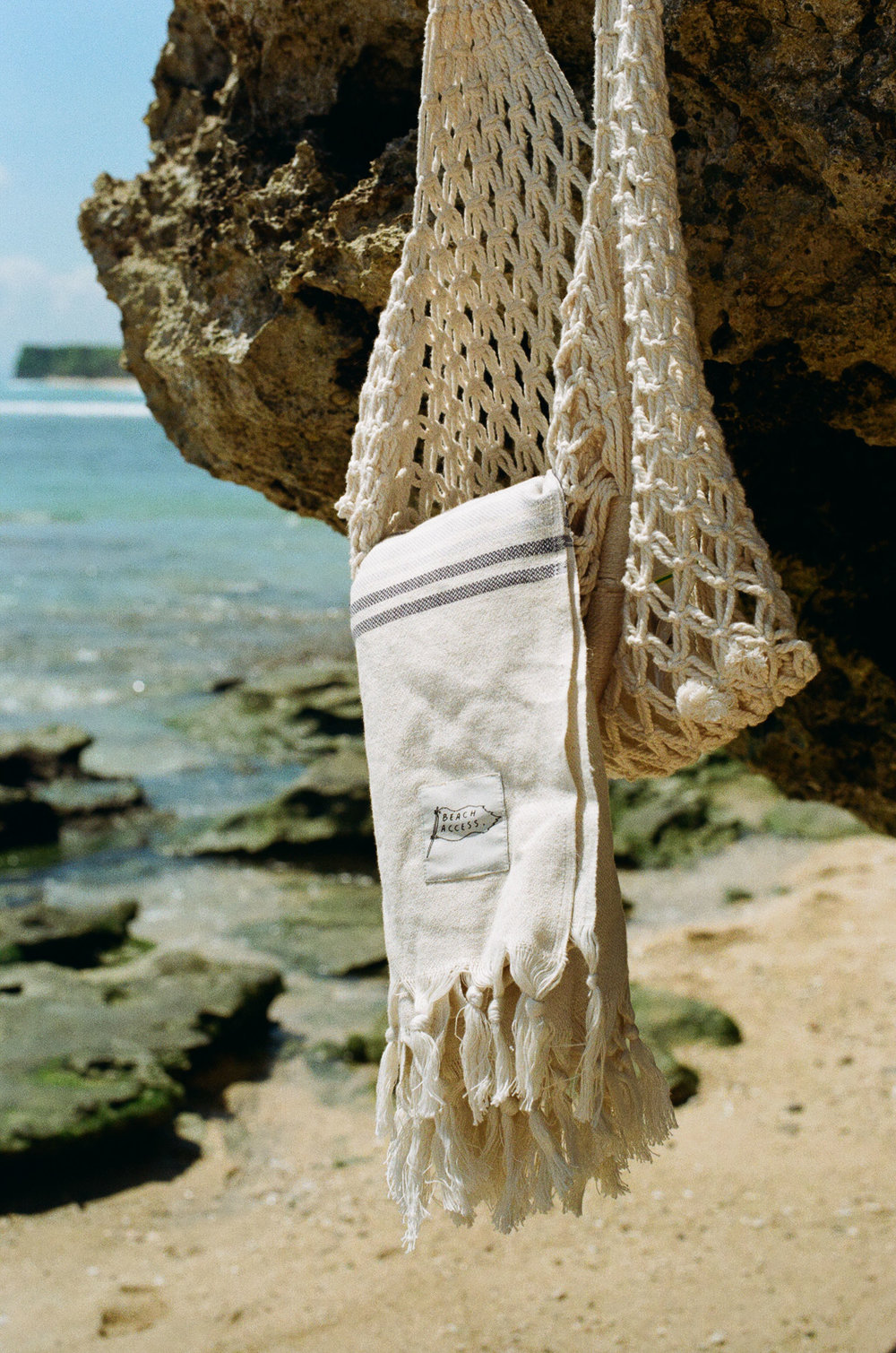 Same for the 'Tide' Bag. It's a hand-woven miracle!