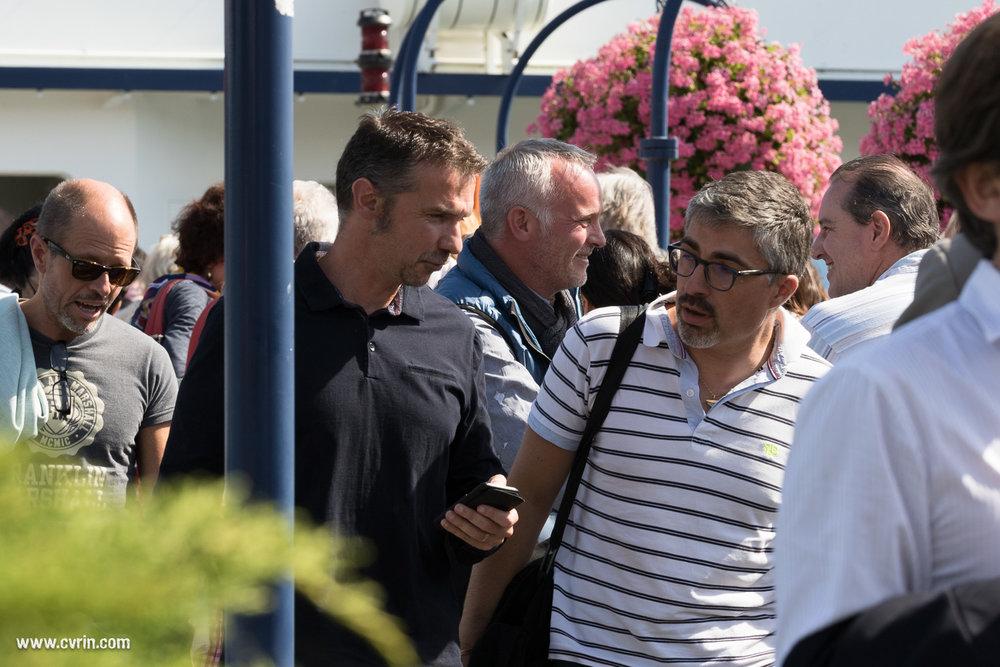 Bernard Minier, Franck Thilliez et Marc Voltenauer à la sortie du bateau de la CGN.