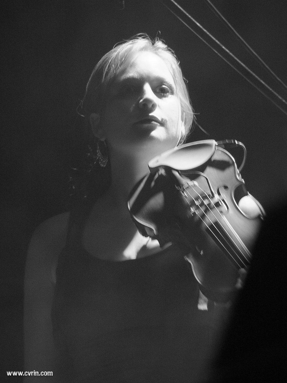 Elodie Steinegger Le Nouveau Monde, Fribourg, Suisse • 28.10.06