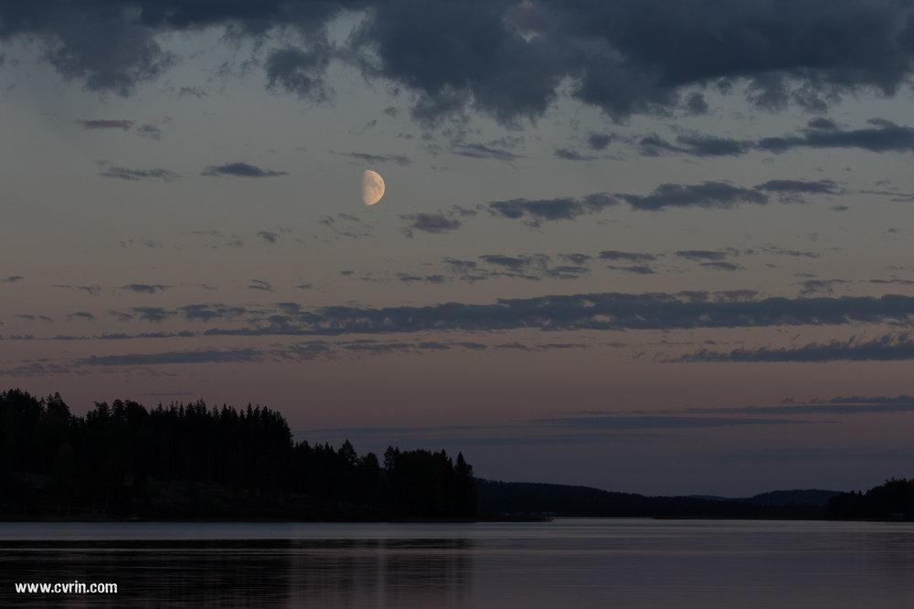 Lever de lune sur le lac Revsundssjön  Sigma 100-400mm • Canon 7DMKII