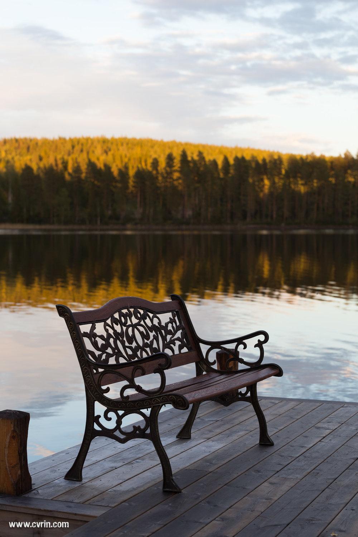 Petite golden hour au bout de notre ponton privé!  Sigma ART 70mm Macro • Canon 6D