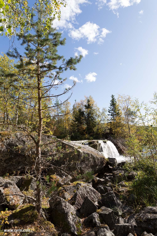 Escalade dans les rochers pour changer de point de vue!  Sigma ART 20mm • Canon 6D