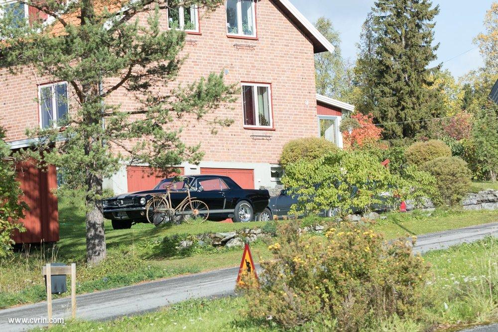 J'espère que le propriétaire a un garage fermé pour bien la protéger!  Sigma 100-400mm • Canon 7DMKII