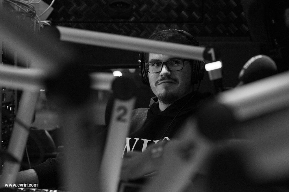 Sylvain, notre super technicien son pour l'aventure CultuRadio!