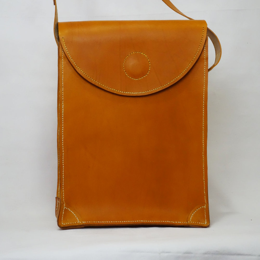 Gina-Telcocci-lg.shoulder-bag.jpg