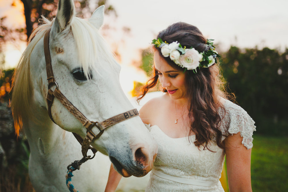 ©Obscura-bride-with-white-horse-6625-1.jpg