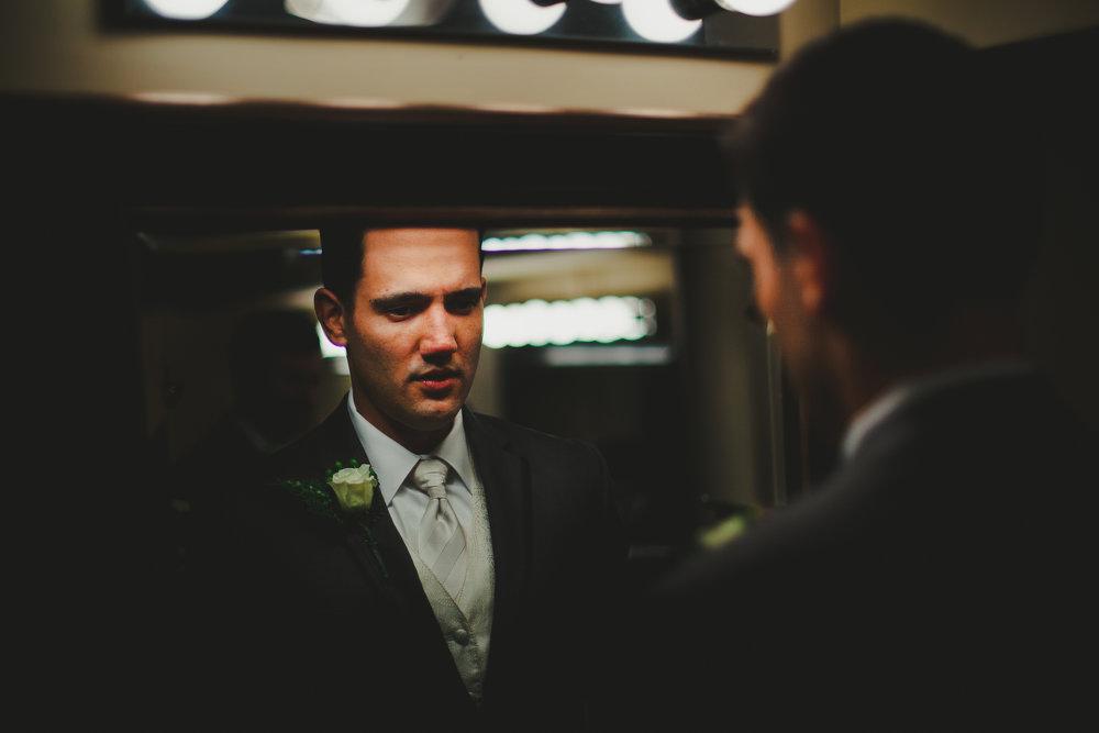©Obscura-groom in reflection-0176-1.jpg