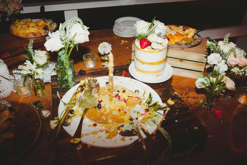 ©Obscura-smashed wedding cake-7123.jpg