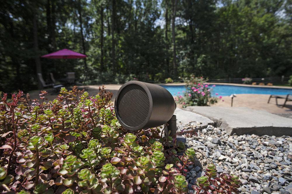 15853355064-buller-speaker-vintage-brass.jpg