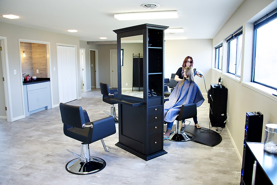 Stylist Services - 6° Salon provides a variety of services, including highlights, foils, facial waxing, coloring, styling, deep conditioning treatment, and haircuts for men, women, and children.