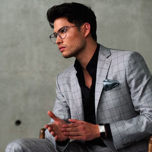 Surmesur grey windowpane suit.png