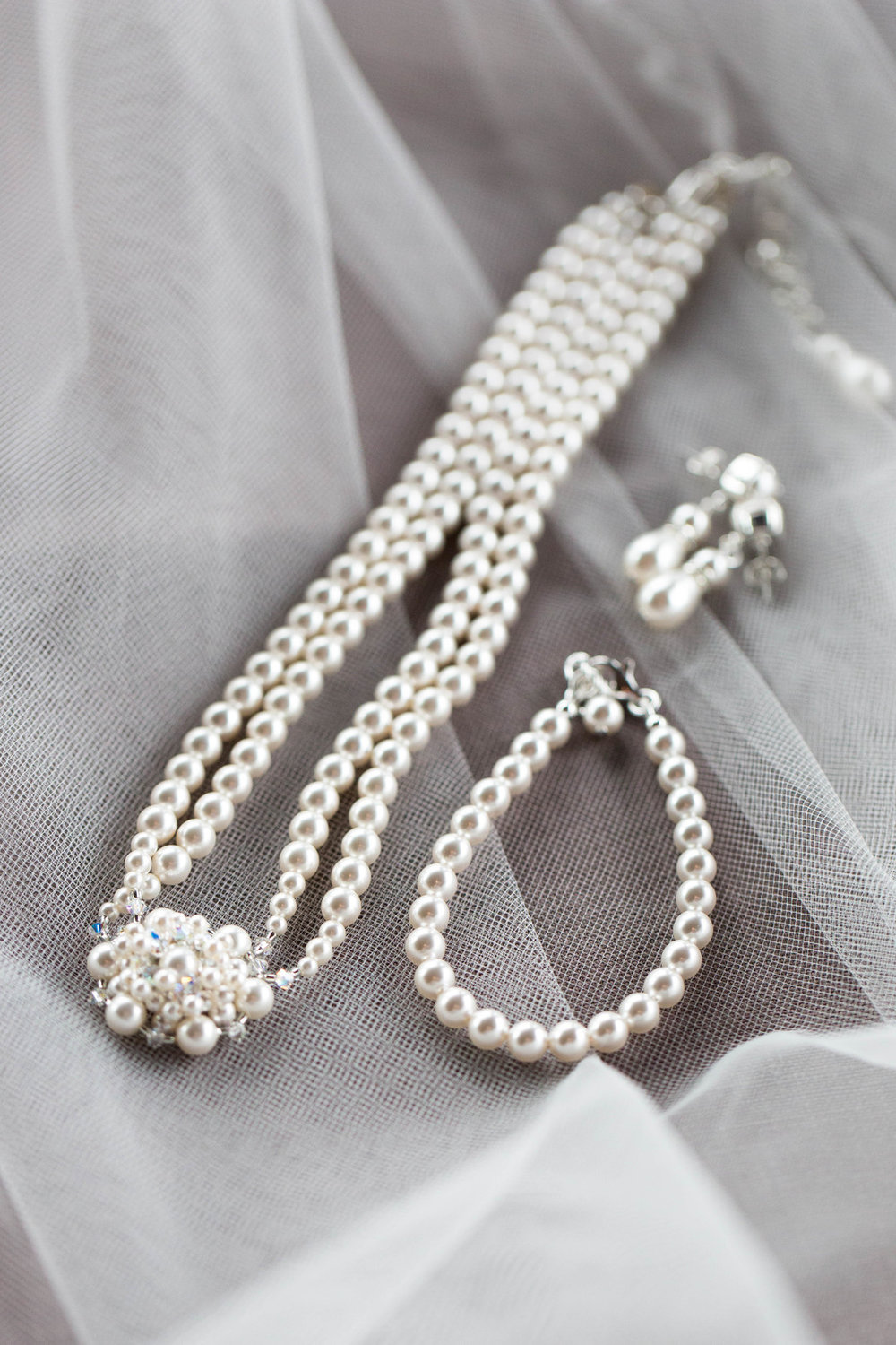 Pearl Bridal Wedding Accessories Chicago Wedding Meghan McCarthy Photography