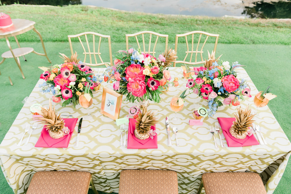 Pineapple and Pink Table Setting Chicago Wedding Anamaria Vieriu Photography