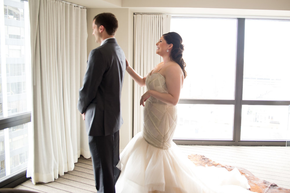 First Look Chicago Wedding Julia Franzosa Photography