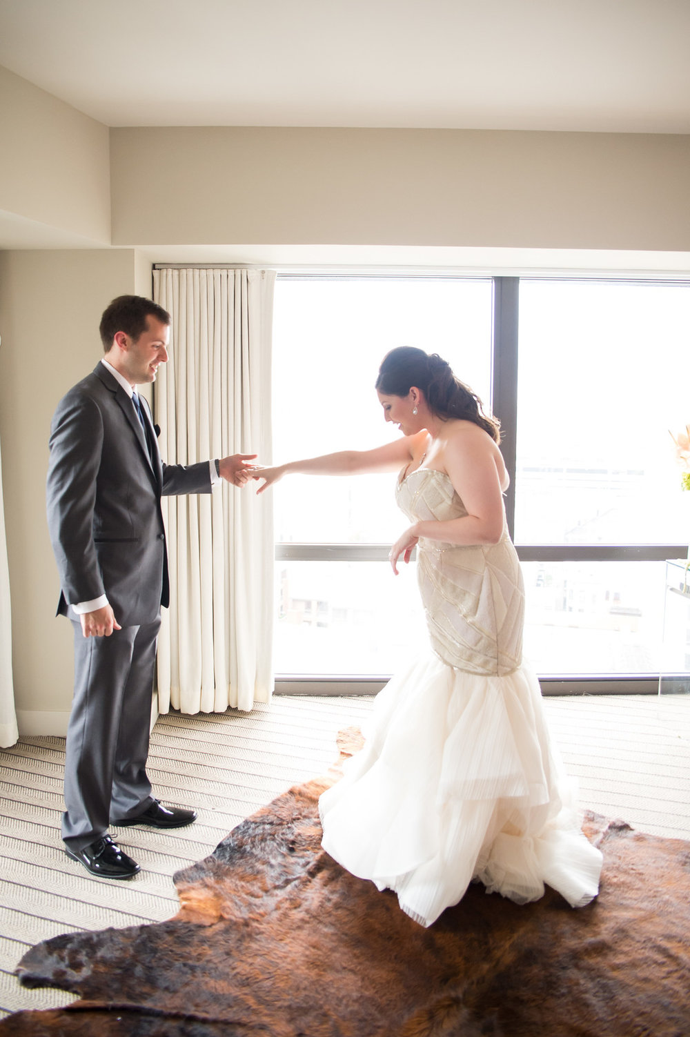 Bride and Groom First Look Chicago Wedding  Julia Franzosa Photography