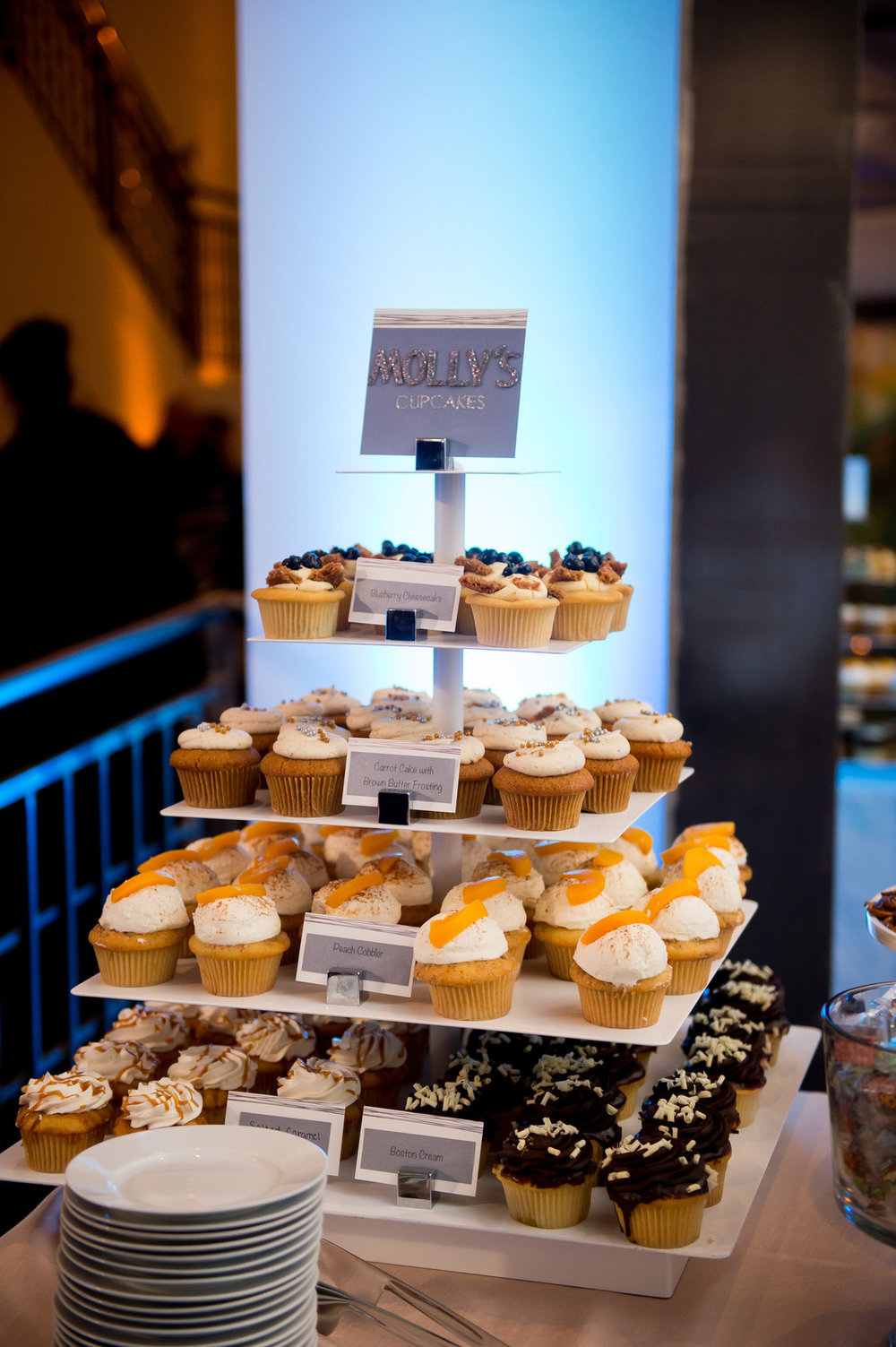 Cupcake Stand Chicago Wedding Julia Franzosa Photography