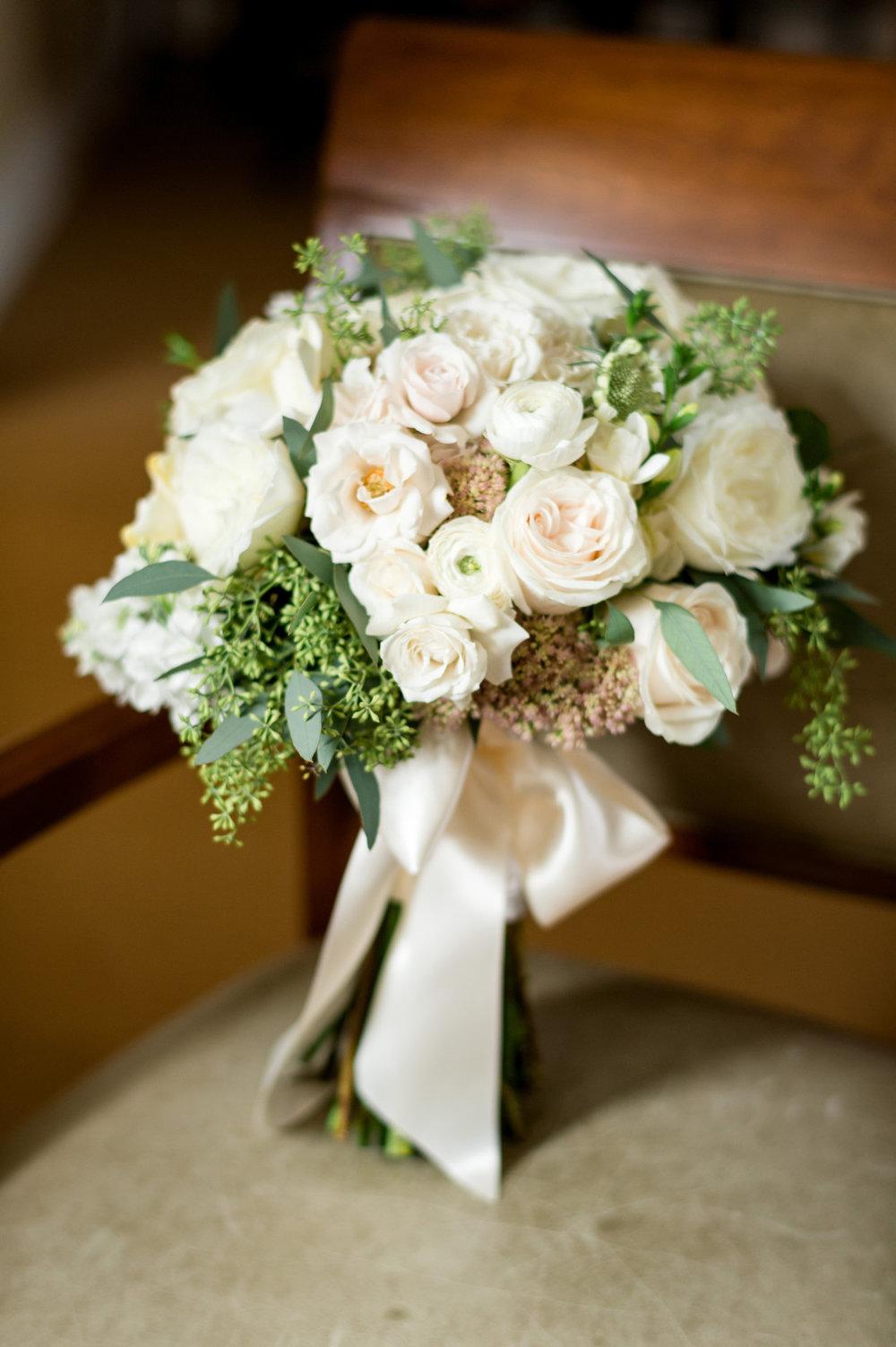 White Rose Bridal Bouquet Chicago Wedding Julia Franzosa Photography