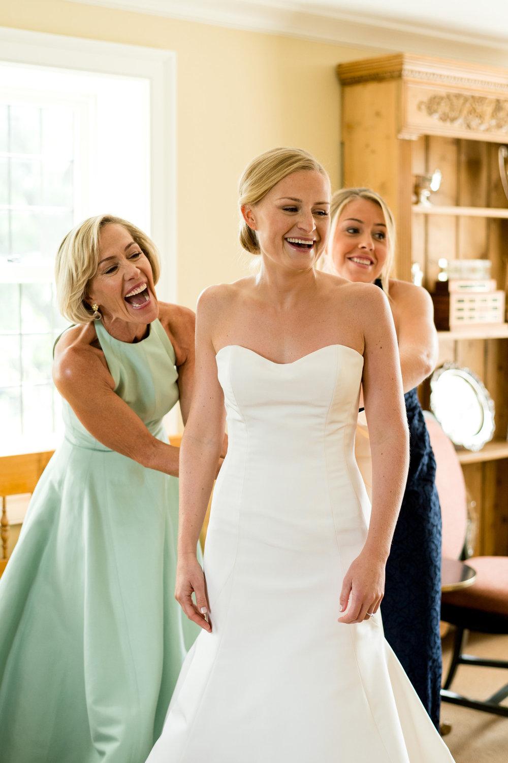 Sleeveless Wedding Gown Chicago Wedding Julia Franzosa Photography