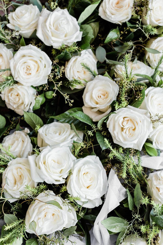 White Roses Chicago Wedding Lindsey Taylor Photography