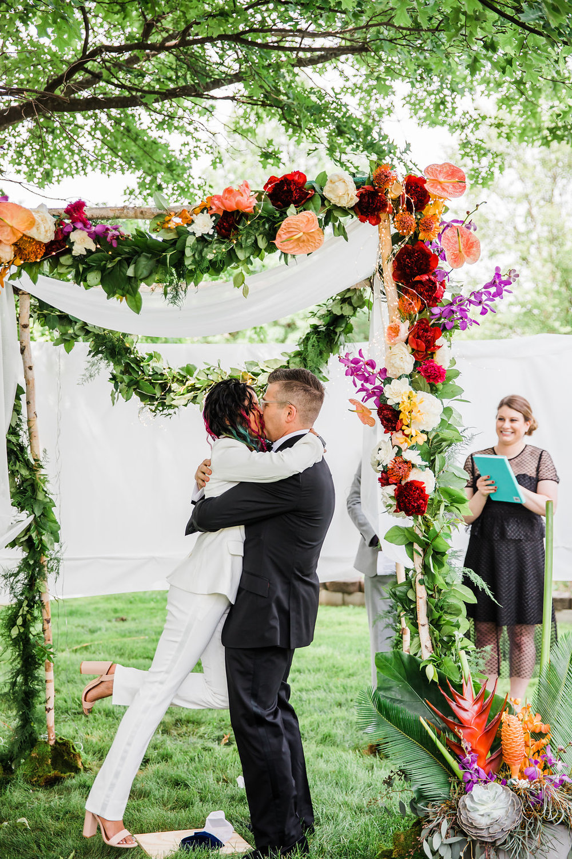 First Kiss Intimate Backyard Chicago Wedding Ella Farrell Weddings