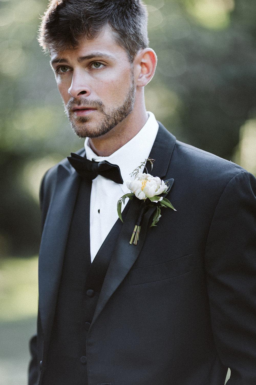 Black Groom Tuxedo Chicago Wedding lisa kathan photography