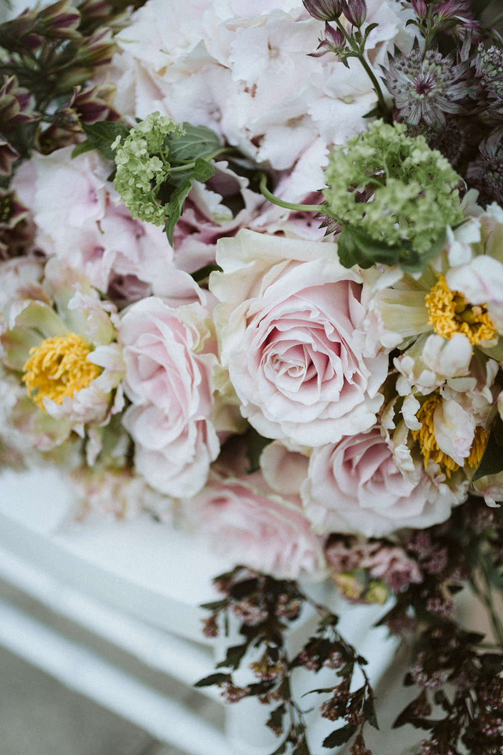 Pink Rose Flowers Chicago Wedding lisa kathan photography