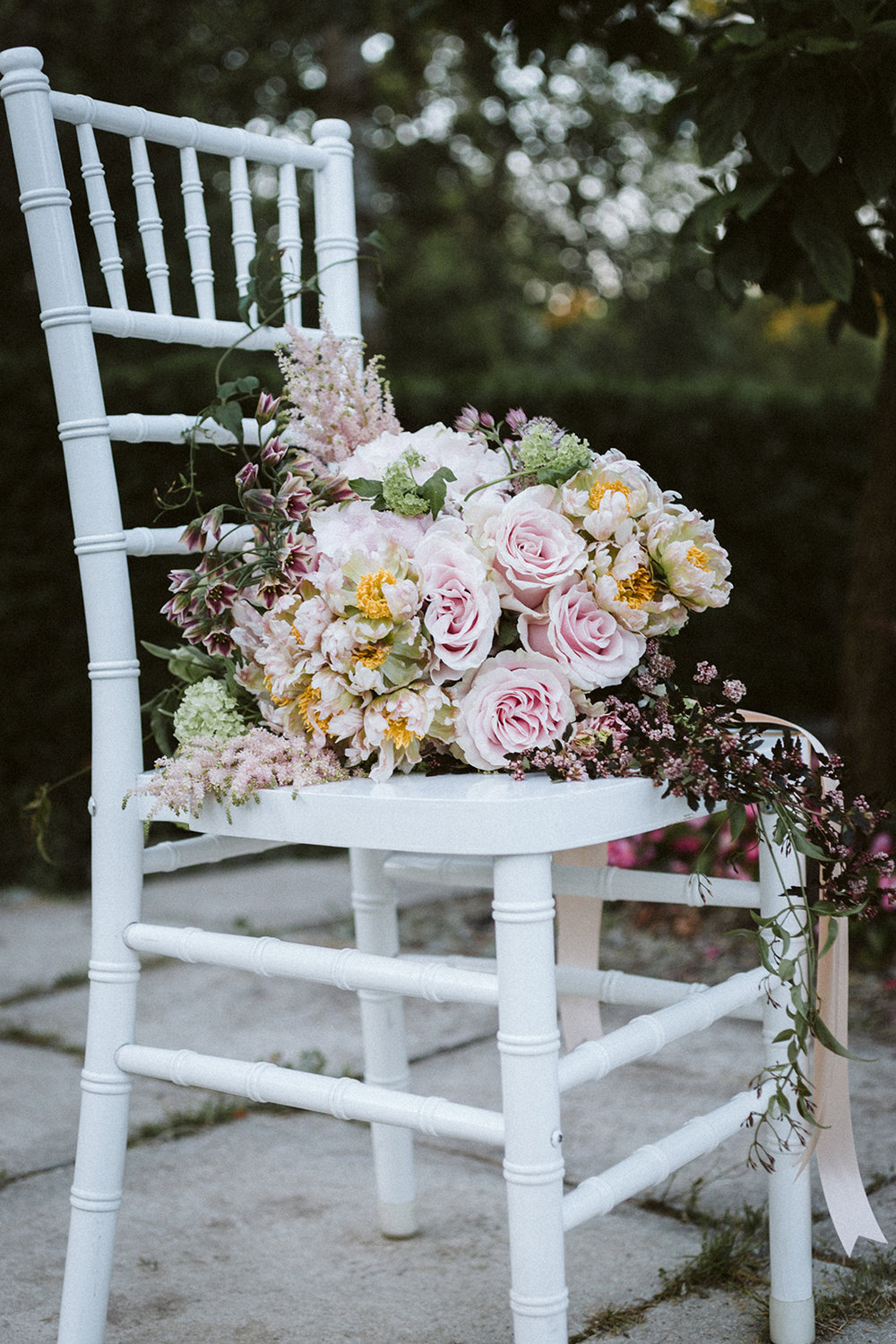 Pink Rose Floral Bridal Bouquet Chicago Wedding lisa kathan photography