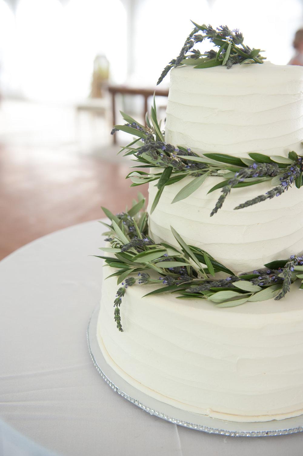 Lavender Covered Wedding Cake Chicago Farm Wedding Elite Photo