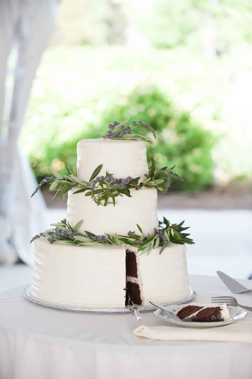 Lavender Wedding Cake Chicago Farm Wedding Elite Photo