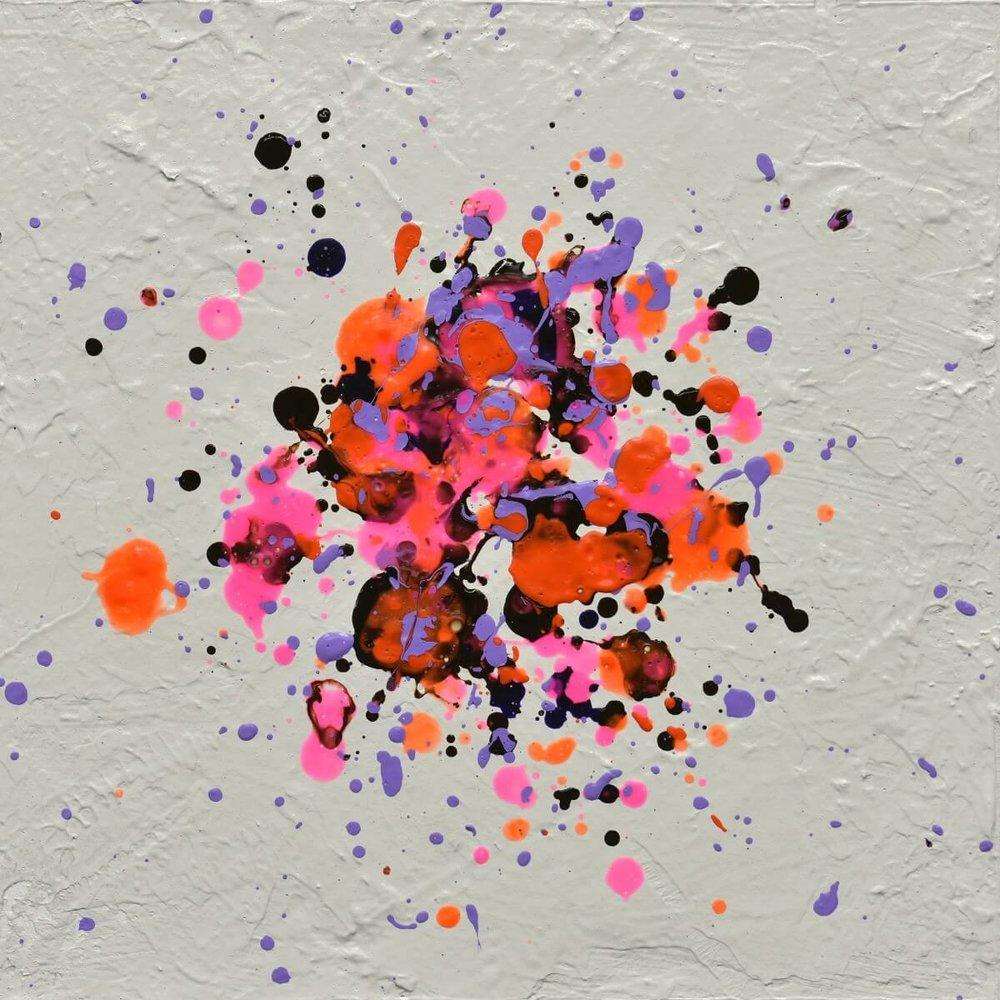 64720432_mini-burst-two.jpg
