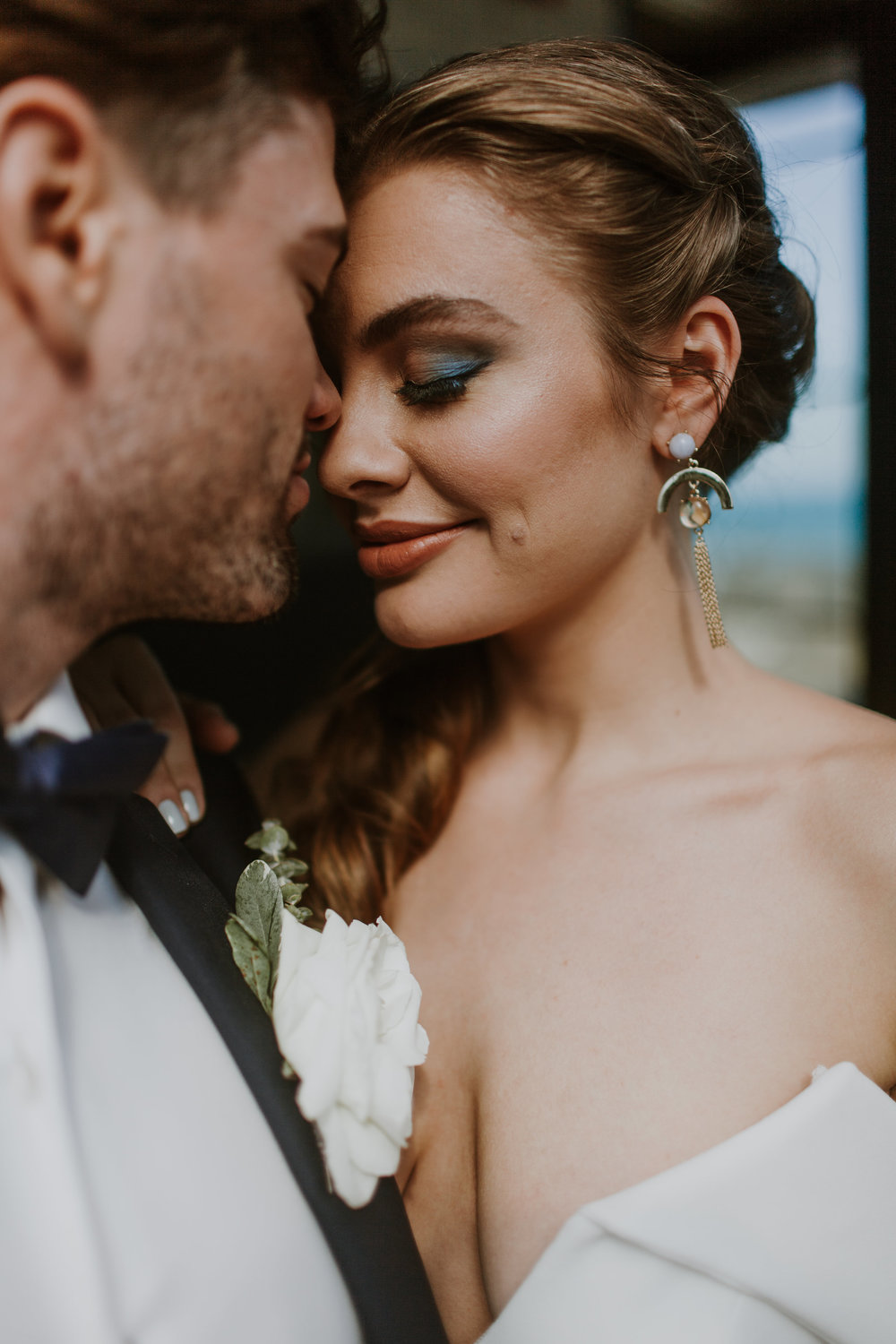 Bridal Pop of Color Eye Makeup Chicago Wedding Gabrielle Daylor Photography
