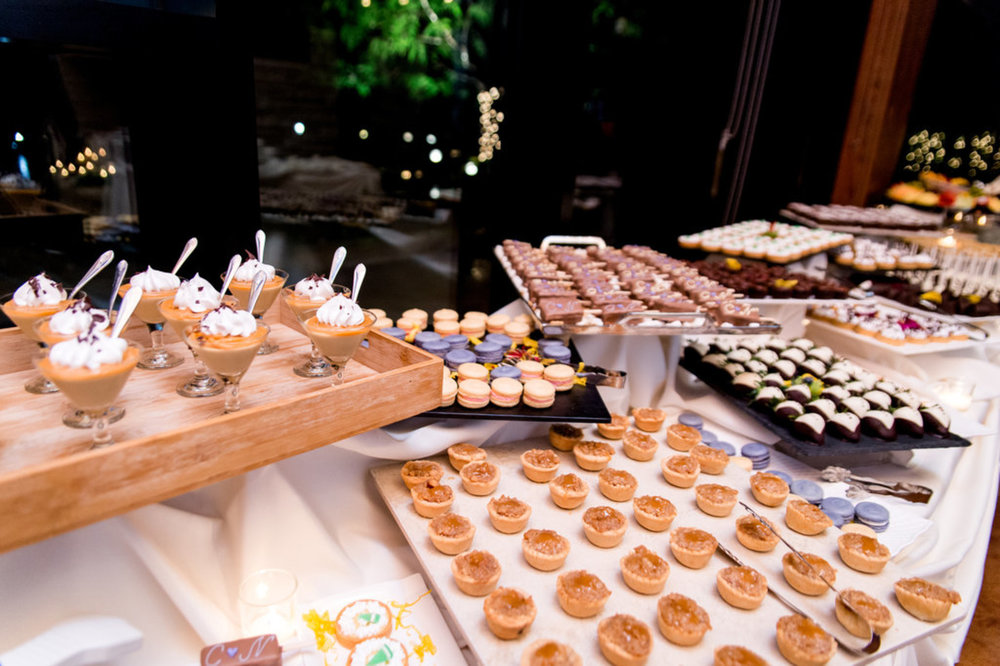 Sweets Table Chicago Wedding Julia Franzosa Photography