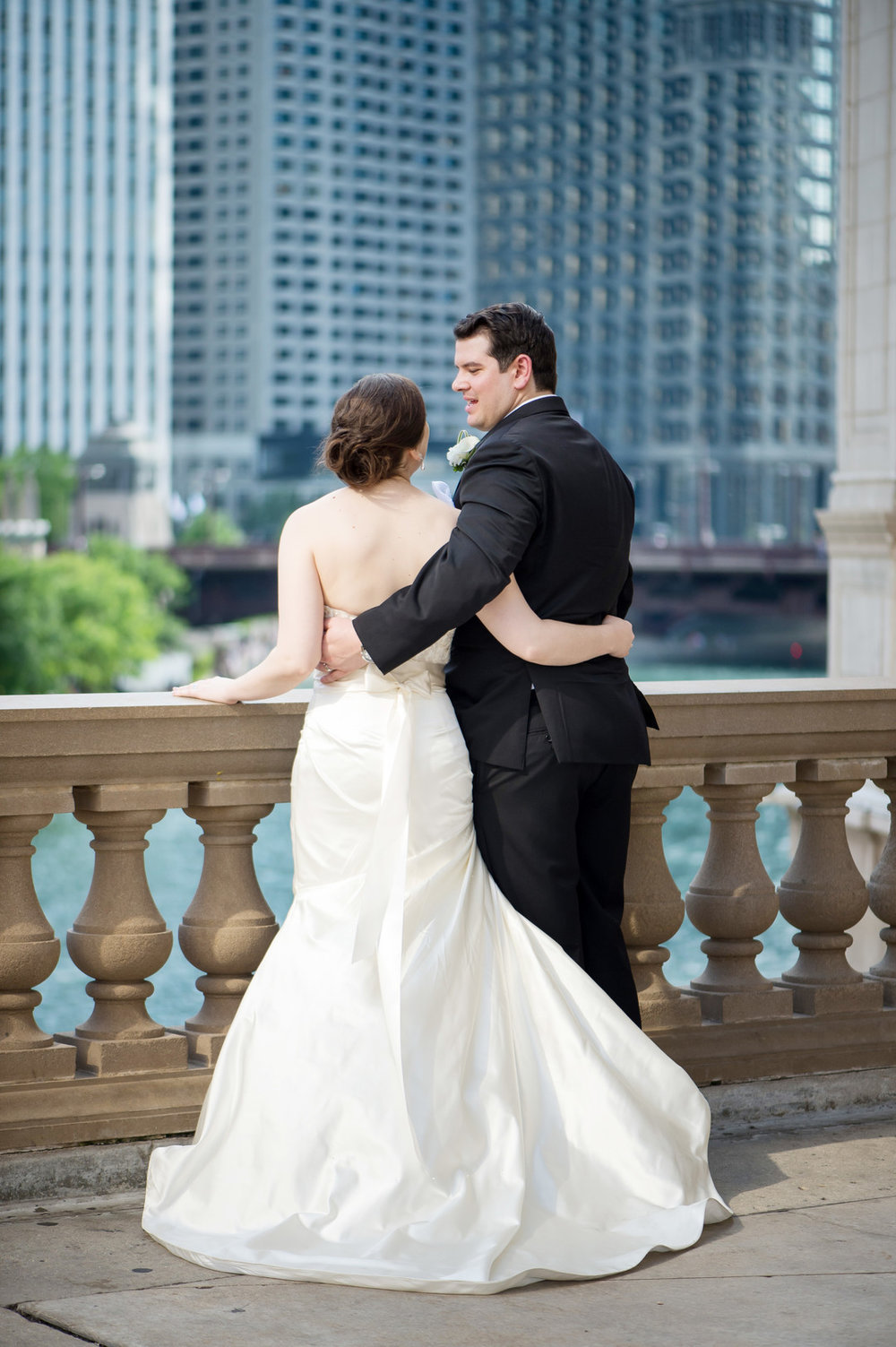 Bride and Groom Portrait Chicago Wedding Julia Franzosa Photography