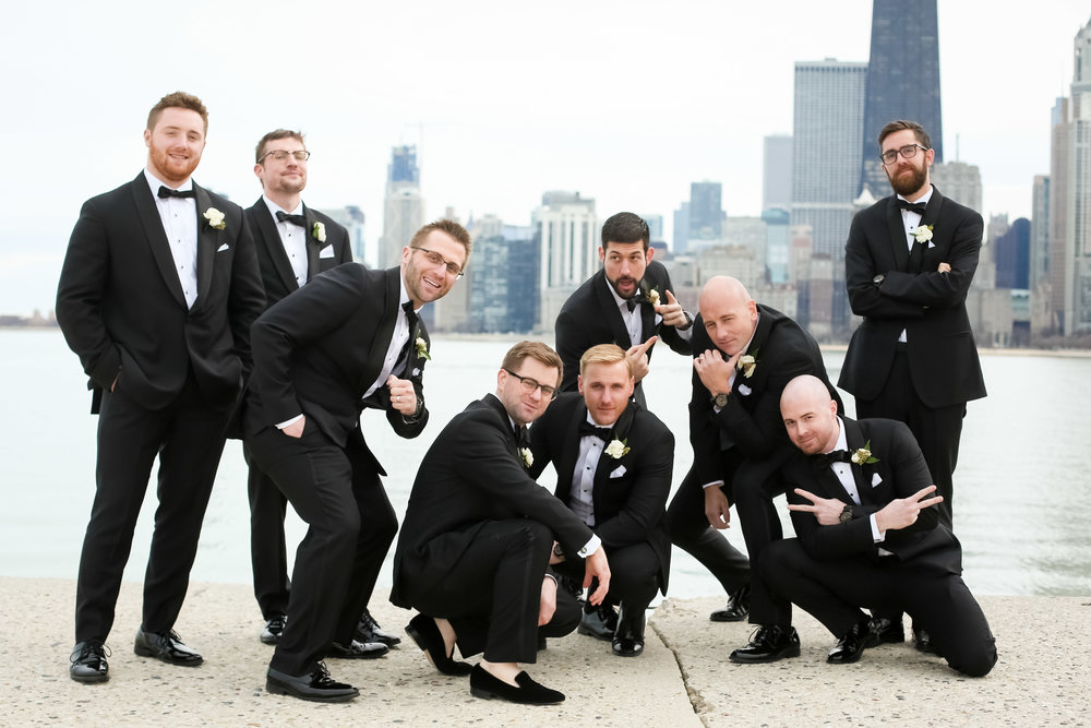 Charming and modern wedding details come together for this royal Chicago wedding planned by Lillian Rose Events and captured by Colin Lyons Photography. Find more wedding inspiration at chitheewed.com!