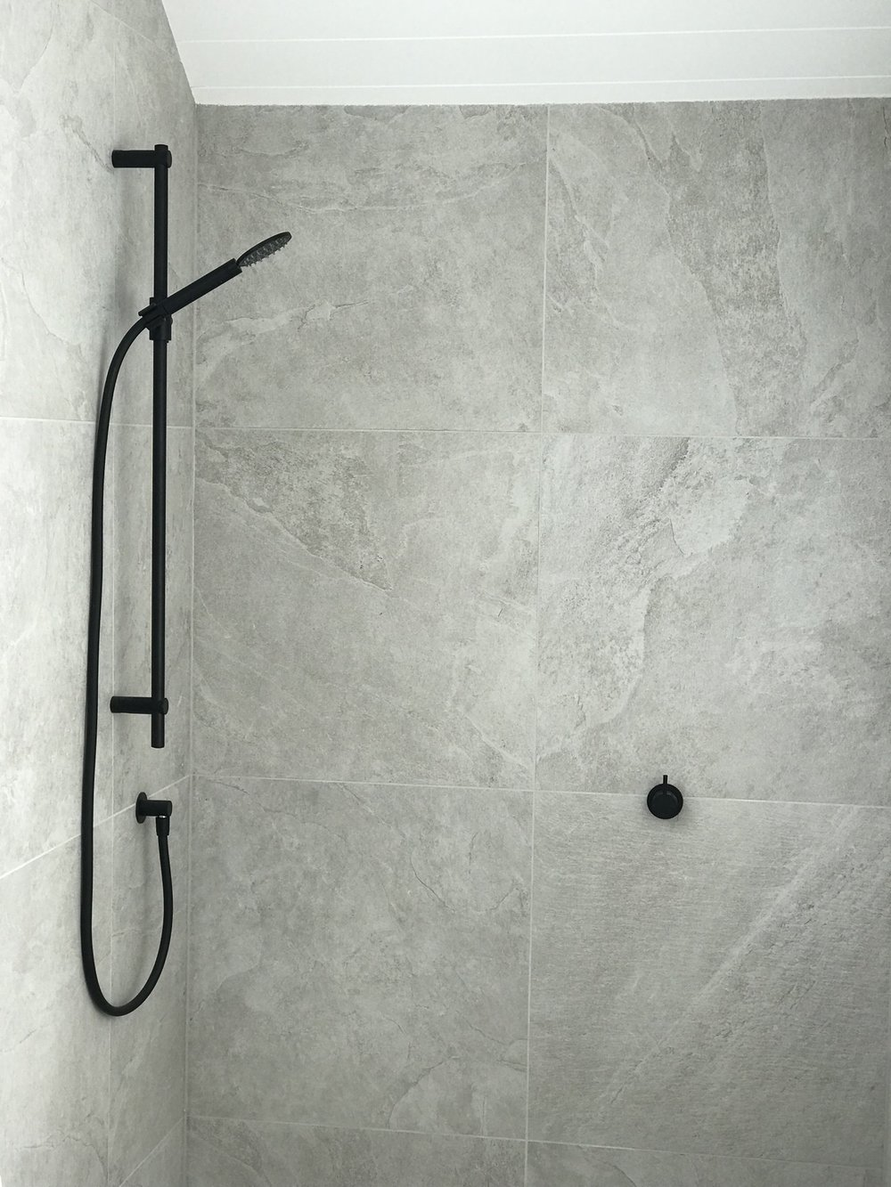 Modern Shower Plumbline_b.jpg