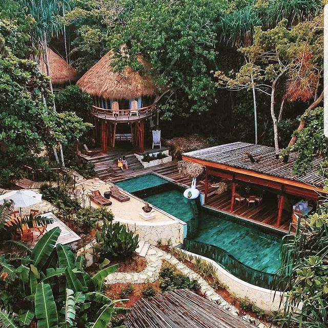 Check out this villa in Indonesia, who wouldn't want to escape here for a week? 📸 by @golden_heart