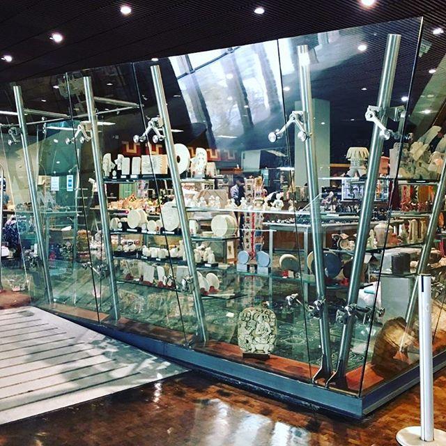 Encuentra nuestras colecciones en la tienda del Museo Nacional de Antropología en CDMX.  Para cualquier otra venta escríbenos o visita nuestra página. #prehispanico #culturaazteca #aztecas #museo #cocoa #cacao #mexico #oaxaca #chiapas #culturamaya #mayas #museo #museoantropologia