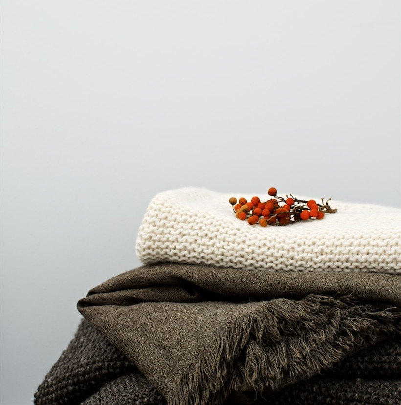 Warm and cozy fall throws ideas