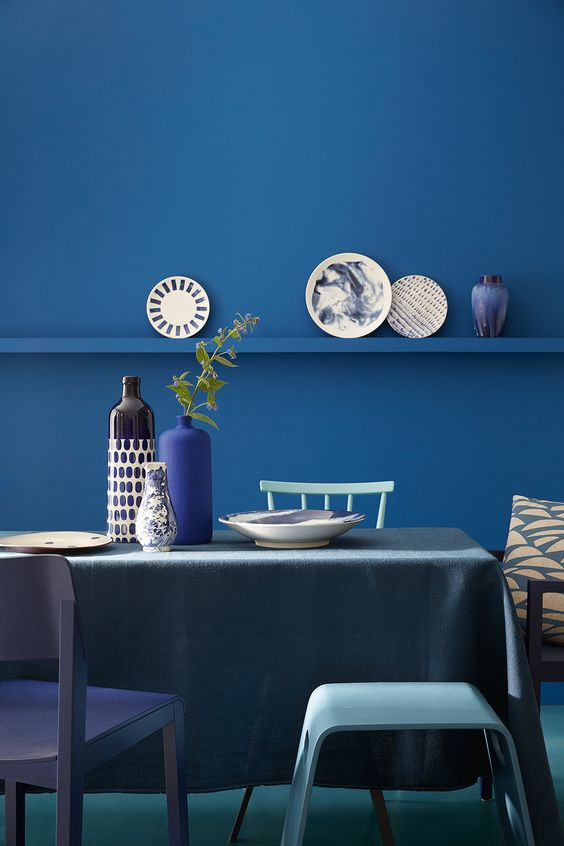 blue colors for dining room