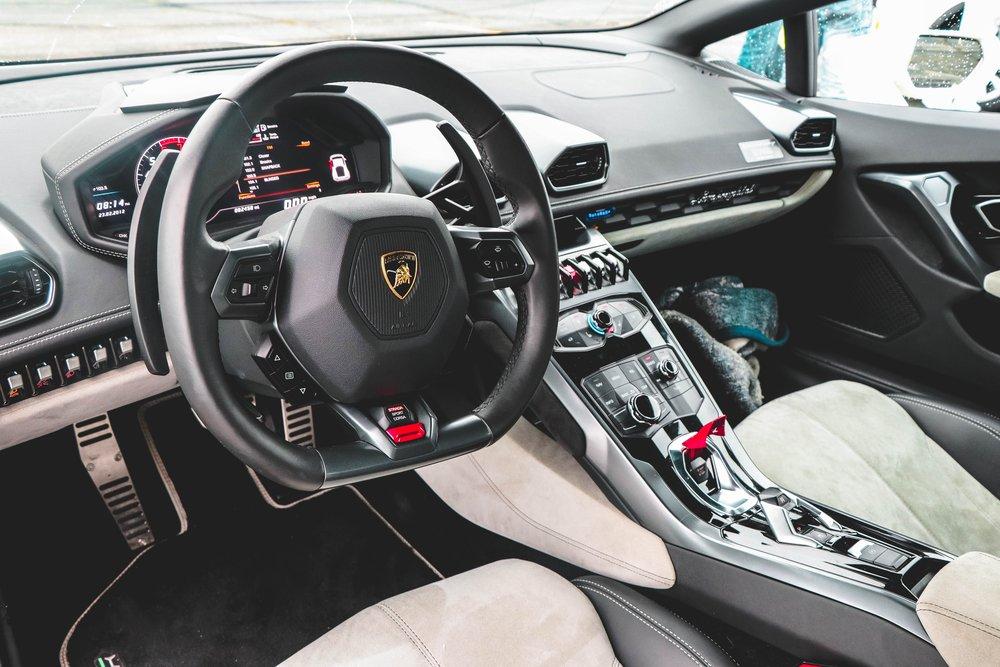 auto-automobile-car-1005162.jpg
