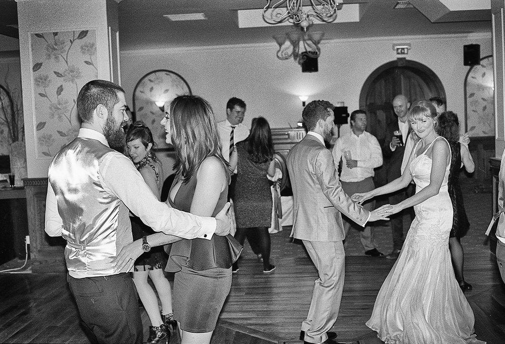 wedding-dance-couples.jpg