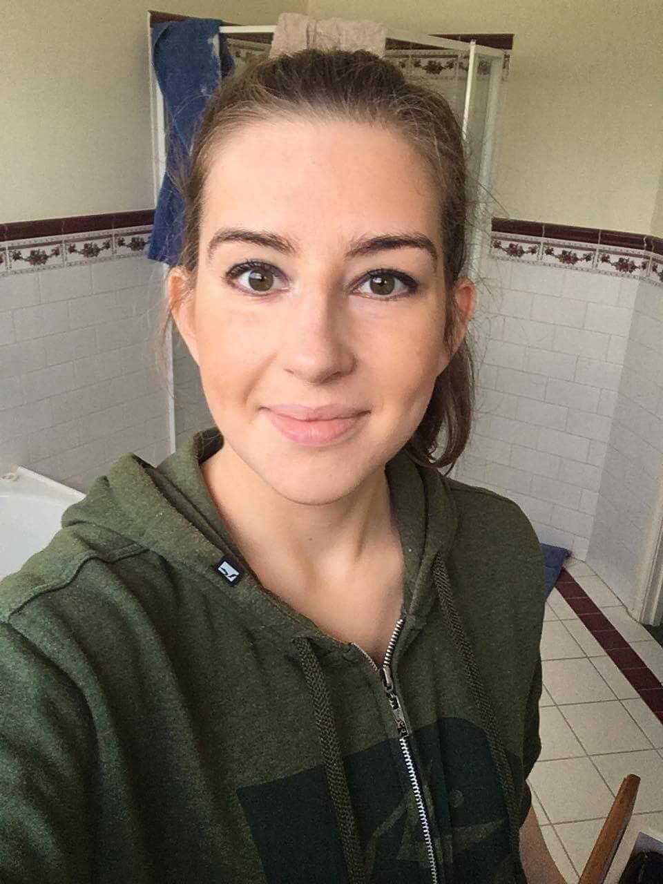 girl with full makeup before face halo.jpg