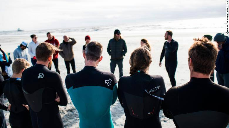 SERVING VETERANS - Treating Veterans with PTS through Surf Therapy