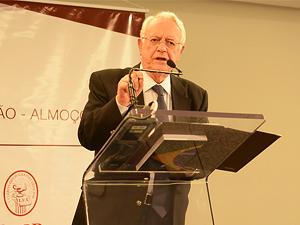 Ministro Velloso afirmou que não sobra tempo para STF julgar grandes temas.