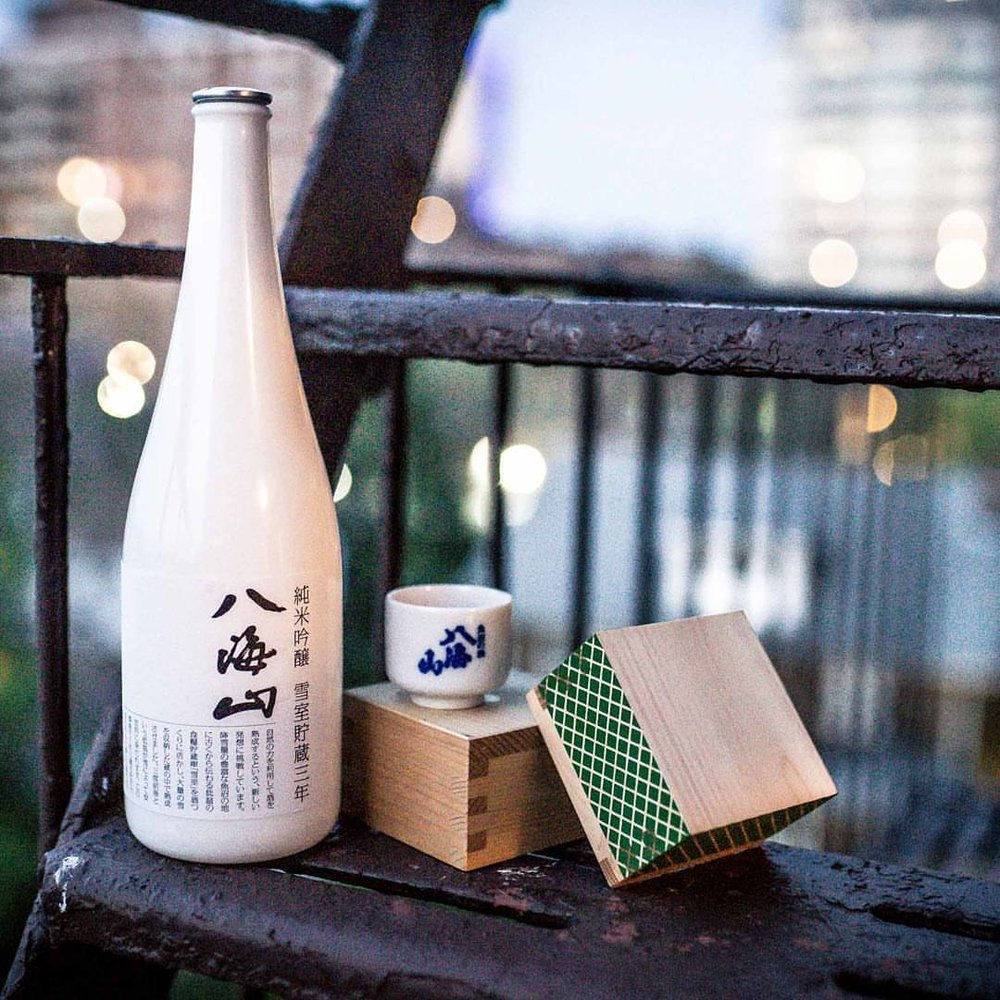 "The very special #Hakkaisan Snow Aged 3 Year Junmai Ginjo's smooth flavor quickly made it one of our favorites. Check out Episode 4 on #youtube for the tasting notes!"" #sake #yukimuro #niigata #japan #nihonshu #junmaiginjo #日本酒 #八海山 #純米吟醸"