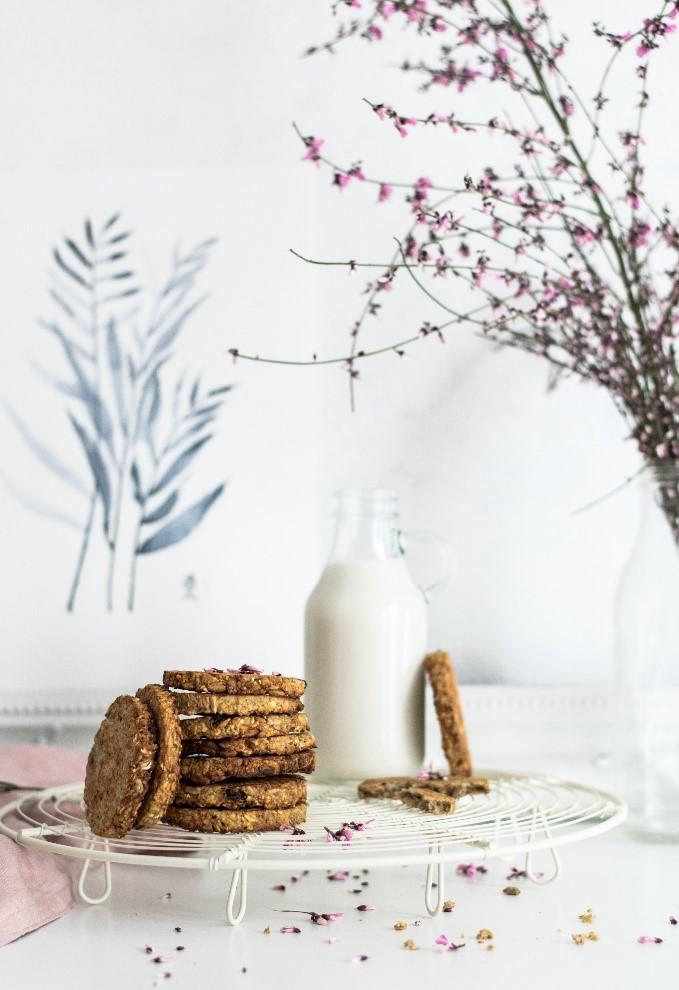 cookies and milk applesauce.jpg